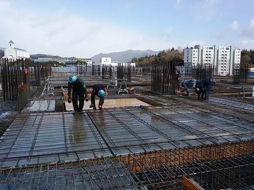 1月:2階床の鉄筋工事.jpg
