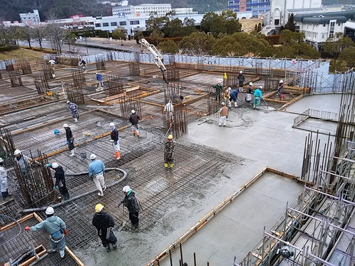 2月:1階柱壁、2階梁床のコンクリート打設.jpg